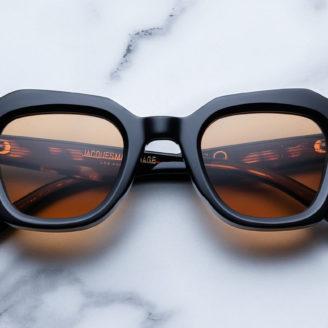 Modèle Schindler , nouveauté de Jacques Marie Mage disponible au bar à lunettes By Thibaut opticien à Liège
